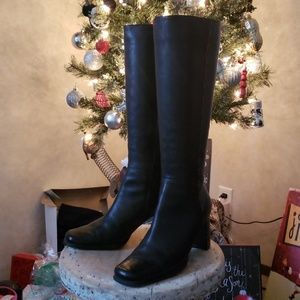 Gorgeous tall black genuine leather boots 7